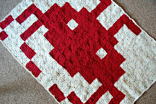 space invaders baby blanket - free crochet pattern