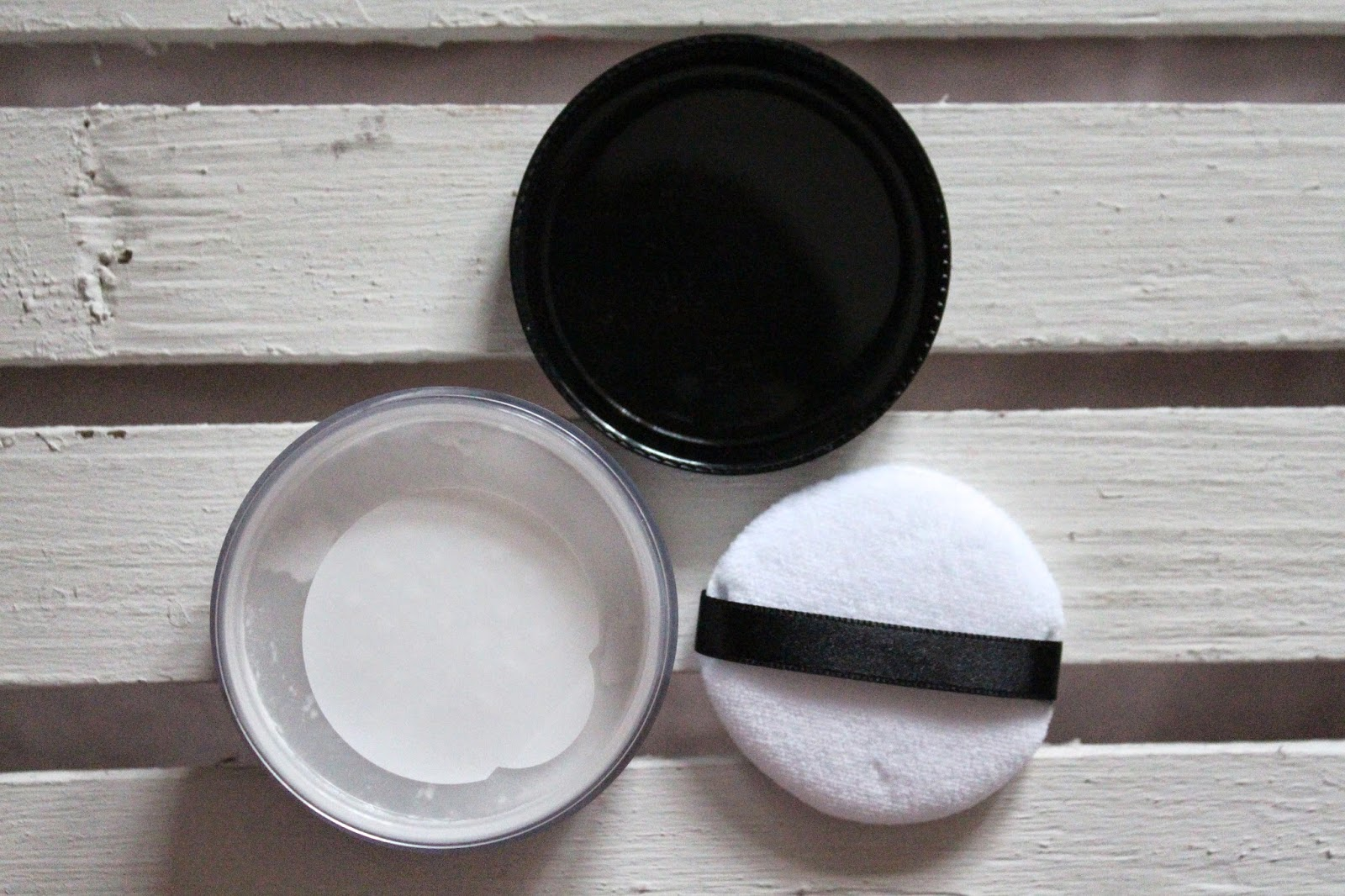 how to apply translucent powder