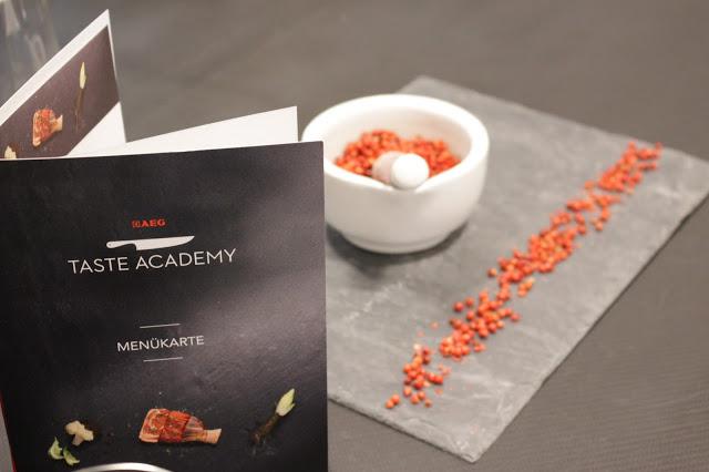 AEG, TAste, Academy, Culinary Trends, Christian Mittermeier, Ramen Burger, Karotten, Kimchi, Garnele, Kochkurs