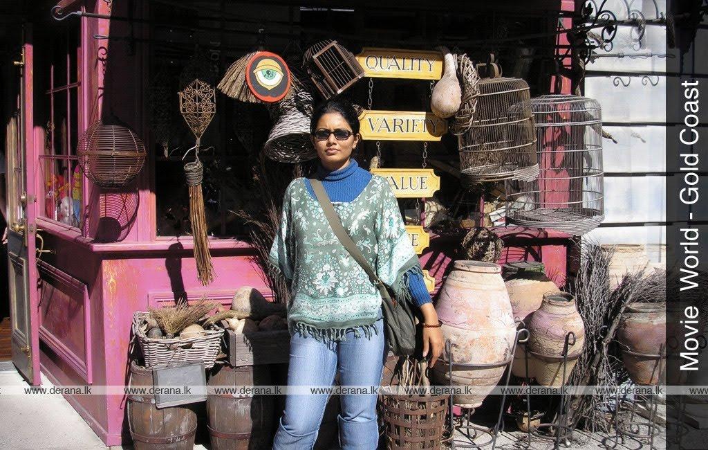 Our Lanka: Derana TV presenter Dilka Samanmali Wedding Photos