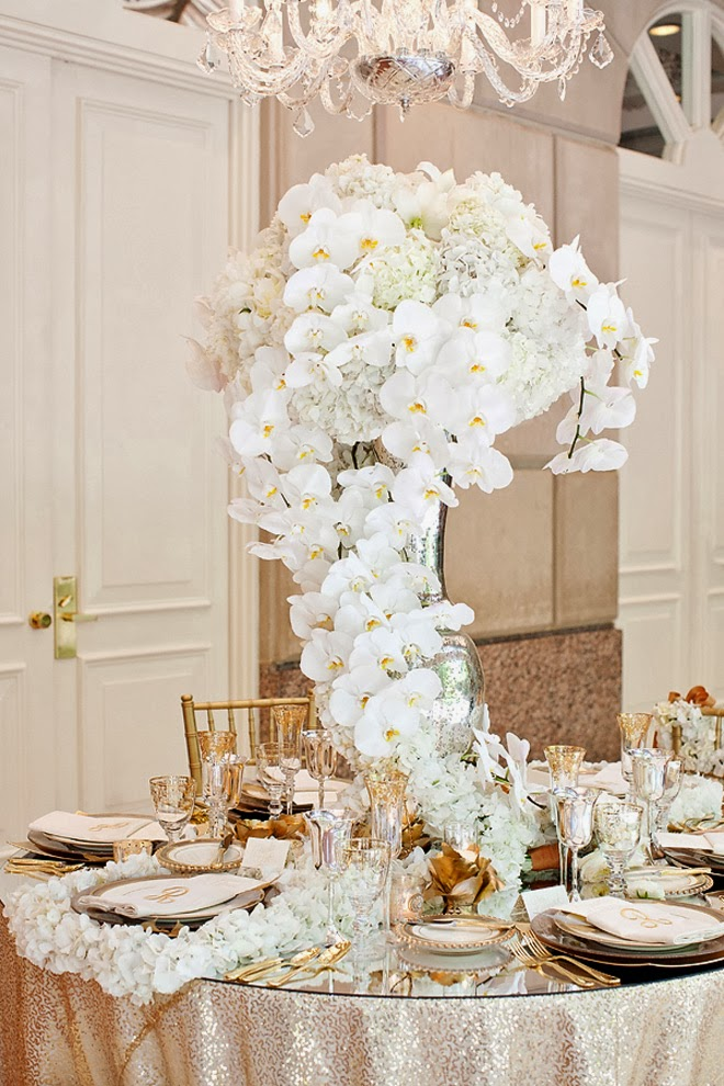 12 stunning wedding centerpieces part 22 belle the for Center arrangements for weddings