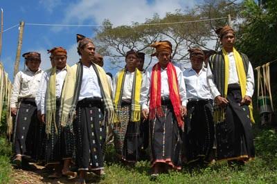 Suku Bentong Dari Barru Sulawesi Selatan ( Artikel Lengkap )
