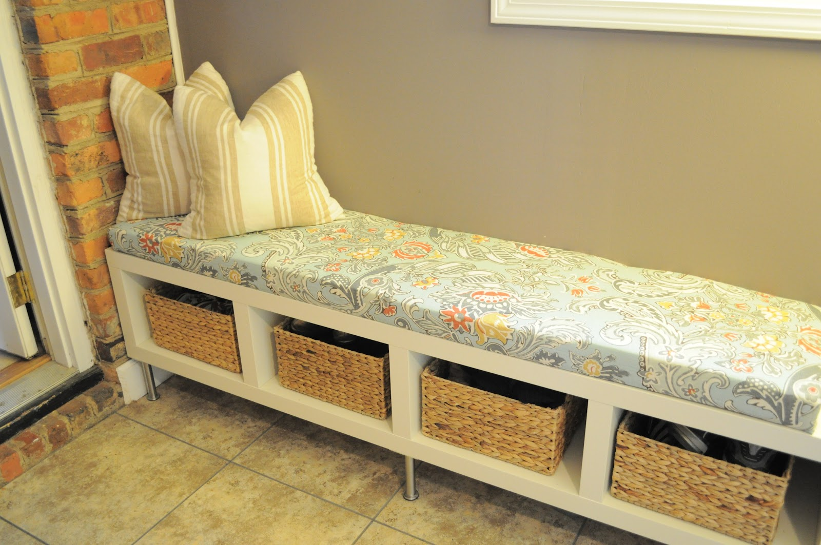 Diy Indoor Bench Seat You Me And The Kid Laundry Room Bench Cushion Diy