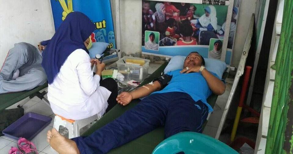 Aksi Donor Darah Warga Masyarakat Desa Kadilangu - Santri ...