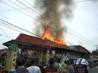 PBK Terlambat Datang, Empat Rumah Ludes Terbakar