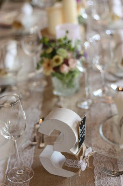 Tischdekoration Pastell und Vintage Hochzeit in zarten Regenbogenfarben, Riessersee Hotel, Garmisch, Bayern, vintage lake-side wedding in pastel colours, Germany, Bavaria, wedding destination