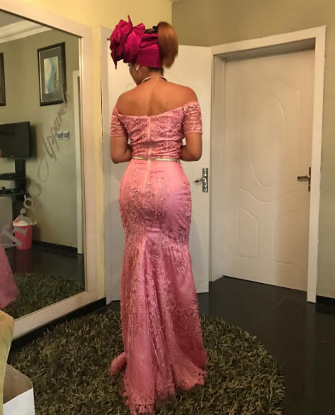 Anna Banner steps out in gorgeous lace dress for wedding