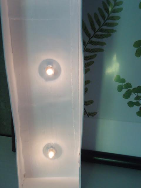 lampa w kształcie litery