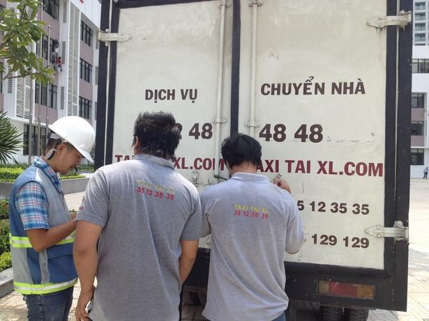 DICH-VU-TAXI-TAI-CHO-HANG-TAI-TPHCM-VINHOMES-CENTRAL-PARK