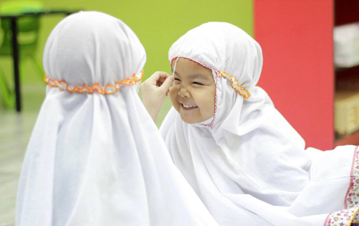 Anak Kecil Dididik Mengenai Keusahawan Islam dan Hafaz Quran Dari Awal Usia