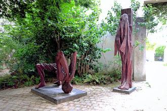 Paris : Hommage à Paul Celan, une oeuvre d'Alexander Polzin - Jardin Anne Frank - IIIème
