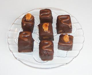 trufe cu martipan si unt de arahide, retete bomboane, bomboane, de ciocolata, praline, dulciuri, deserturi, prajituri, retete, bomboane de casa, desert,