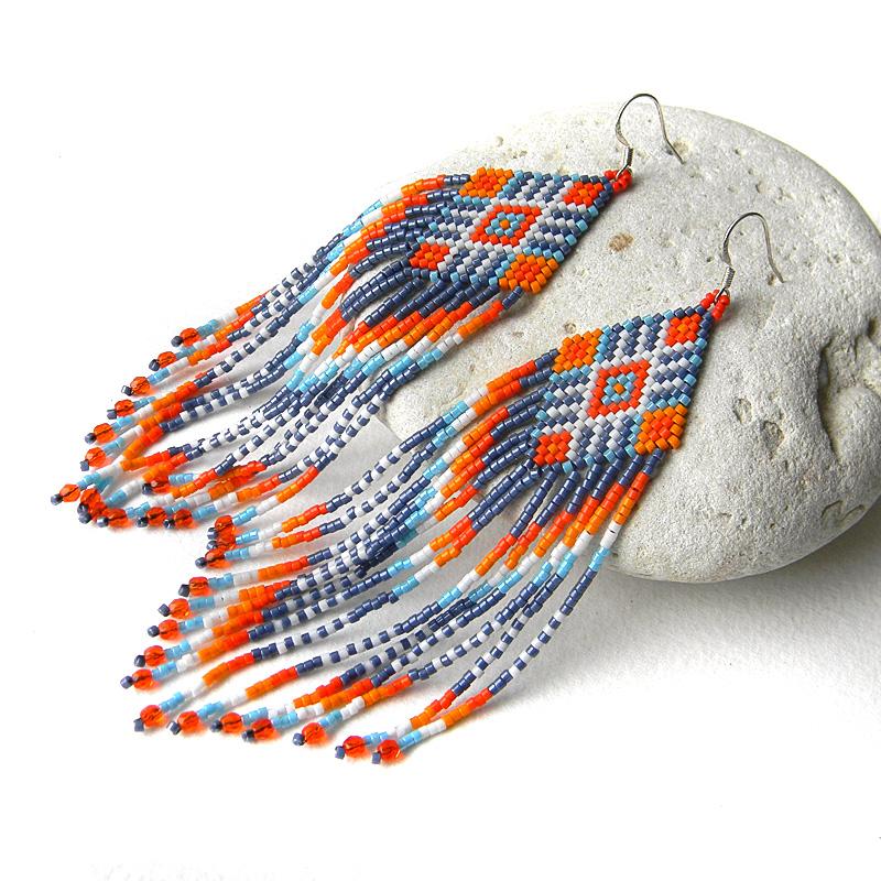 Яркие серьги из бисера в этническом стиле