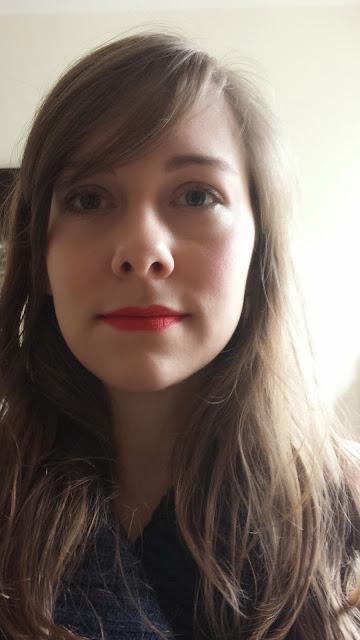 porter du rouge à lèvre rouge