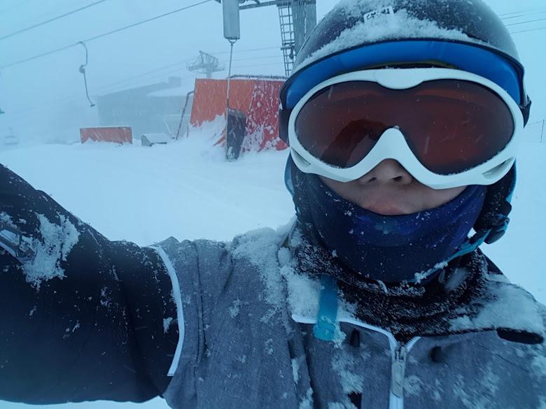 在雪中滑雪實在是很特別的經驗