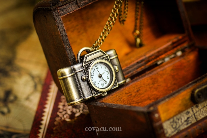 đồng hồ kiểu cổ