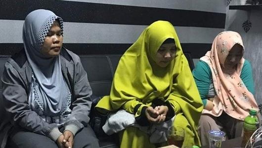 Ibu-Ibu Kampanye 'Jokowi Menang Nikah Sesama Jenis Sah' Terancam Hukuman 6 tahun Bui