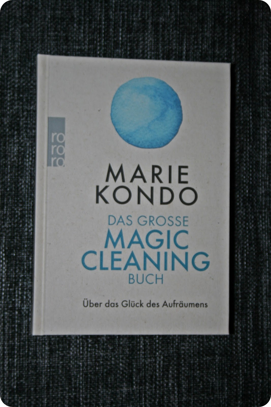 rezension das gro e magic cleaning buch von marie kondo. Black Bedroom Furniture Sets. Home Design Ideas