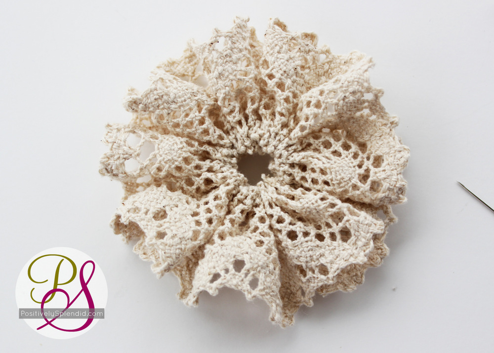 Vintage Lace Brooches   Positively Splendid {Crafts, Sewing, Recipes And Home  Decor}