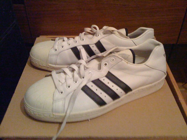 co2styles: VINTAGE ADIDAS ULTRASTAR BLACK MADE IN FRANCE SIZE 10
