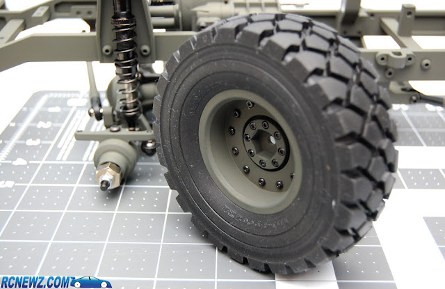 RC4WD Beast 2 green wheels