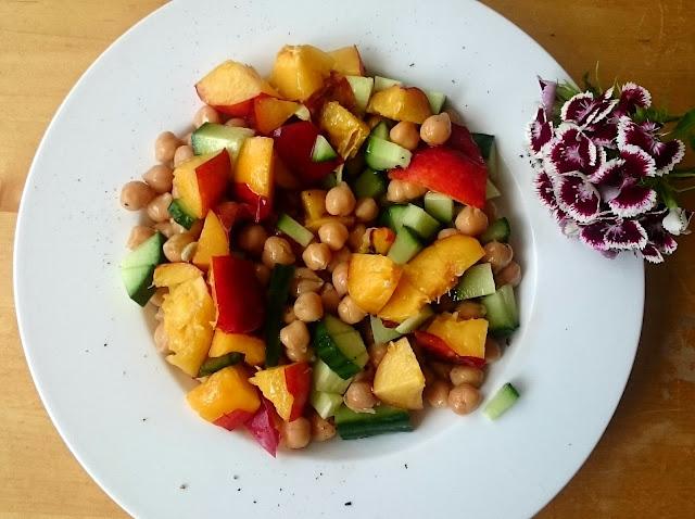 Foto Sommerlicher Kirchererbsen Salat