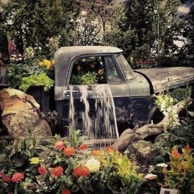 Reporpusing Vintage Truck