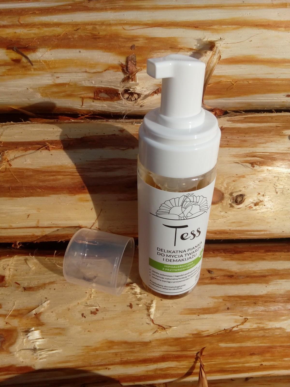 Delikatna pianka do mycia twarzy i demakijażu z przywrotnikiem Tess, IDEA25 HENNET