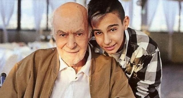 Λύγισε ο γιος του Μπάρκουλη τη στιγμή της ταφής του πατέρα του! (photos)