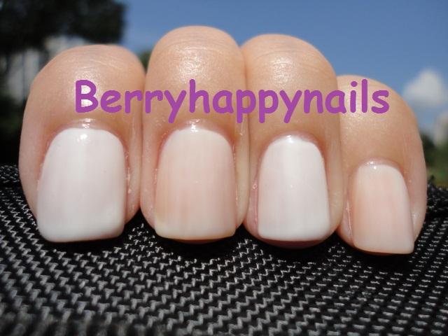 Happyberrynaiad Essie Marshmellow Vs Opi Don T Touch My Tutu Vs Opi Funny Bunny
