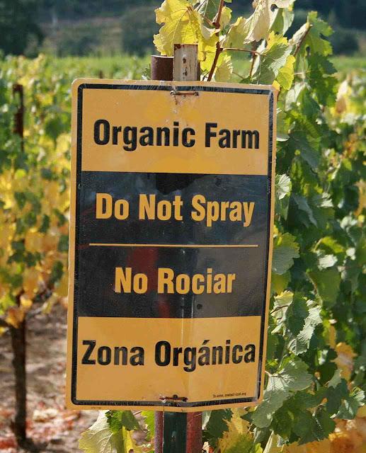A despeito da demonização, a agricultura orgânica usa largamente os pesticidas com licença legal.