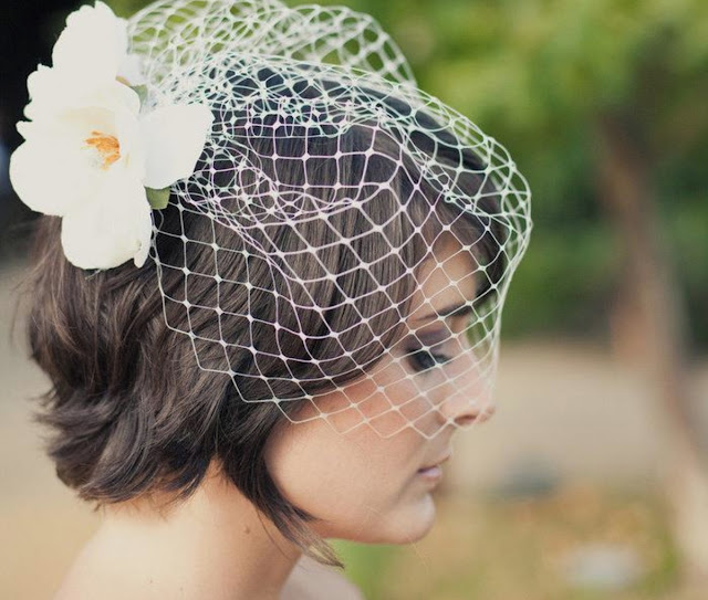 Inspirações de noivas vintage com Voilette