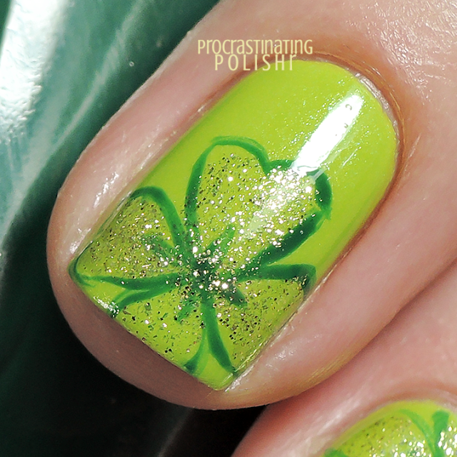 St Patrick's Day - Four Leaf Clover Nail Art