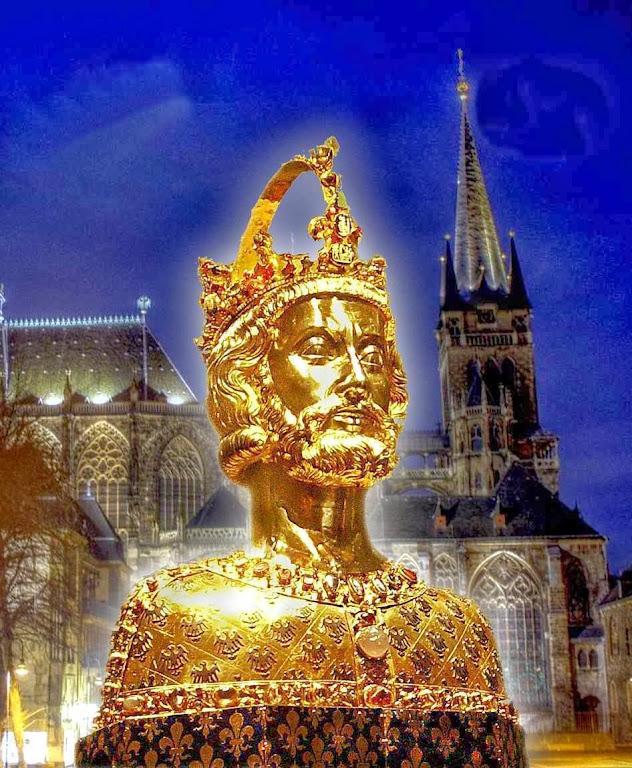 """Le Roux: """"O reino era visto como uma imagem do Corpo Místico da Igreja"""" Busto-relicário de Carlos Magno. Fundo: catedral de Aachen (Aquisgrão)"""