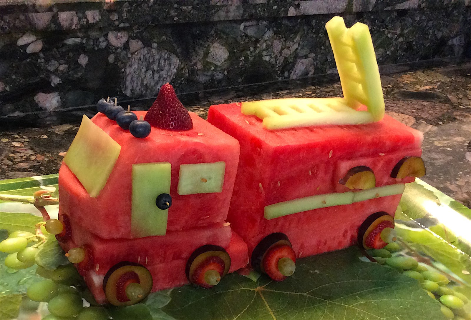 Something Ive Wanted To Do For A Few Years Now Is Make Watermelon Truck Or Train The Occasion Of Young Sirs 3rd Birthday Seemed Like Good Time