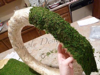wreath+03b Spring Moss Wreath 24