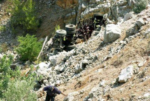 Τραγωδία στην Εγνατία Οδό: Νταλίκα έπεσε σε γκρεμό, νεκρός ο οδηγός!