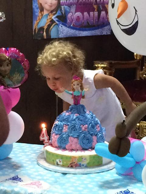 Anna and Elsa Frozen torta di compleanno bimba