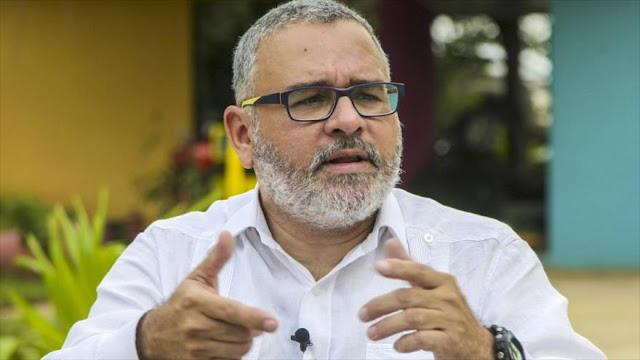 Expresidente salvadoreño denuncia injerencias de EEUU 