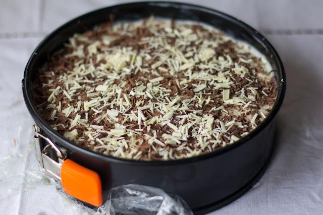 como poner cobertura de chocolate de la tarta de crema de limón con galletas hojaldradas