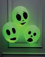 decoracion de halloween con globos aliens