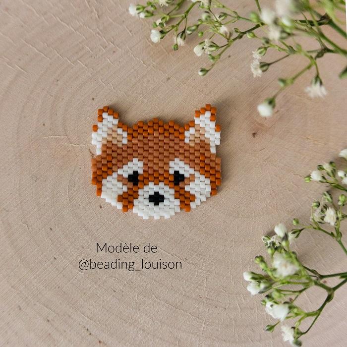 Panda roux en perles Miyuki modèle de Beading Louison tissé en peyote par Hello c'est Marine