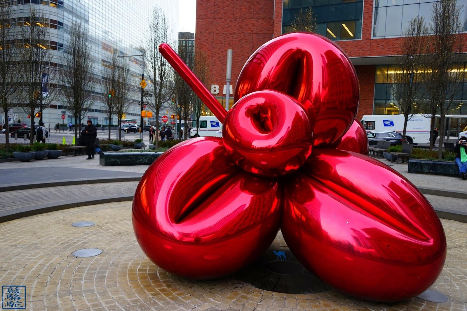 Le Chameau Bleu - Balloon Flower de Jeff KOONS