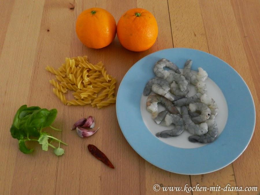 Zutaten Farfalle mit Orangensoße und Garnelen