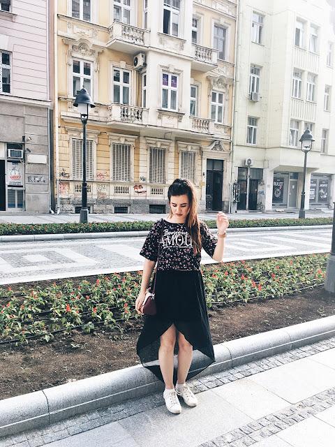 http://highheelpoodl.blogspot.rs/2017/06/black-long-skirt.html