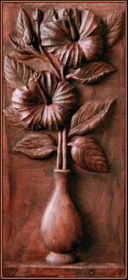 Florero. Talla en madera