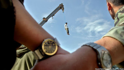 Medieval: Public hanging in Iran