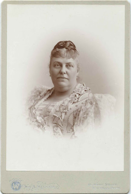 1895 Cabinet Photograph of Miriam Stedman (Jackson) Smith; by the William A. Webster Studio of Waltham, Massachusetts