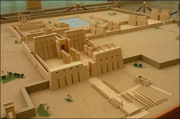 مجسم معبد الكرنك في الاقصر Karnak Temple In Luxor Egypt