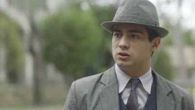 Carlos (Danilo Mesquita)